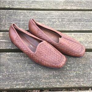 Vintage St Johns Bay Woven Leather Slip On Flats